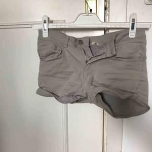 Fina jeansshorts