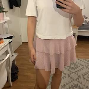 Rosa kjol storlek M