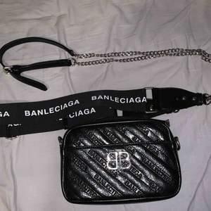 Banlenciaga väska (ej äkta).