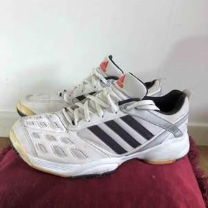 Adidas träningsskor