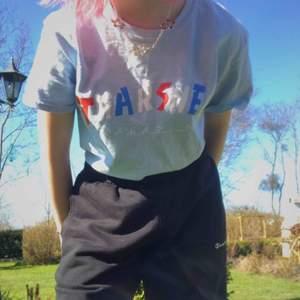 suuuperfin thrasher knock off tröja, självklart äkta och i jättebra skick! säljer endast för att jag har för många thrasher tröjor, skriv vid intresse eller för fler bilder! 🥰