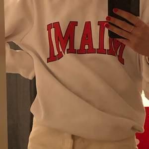 Mysig sweatshirt ifrån weekday!