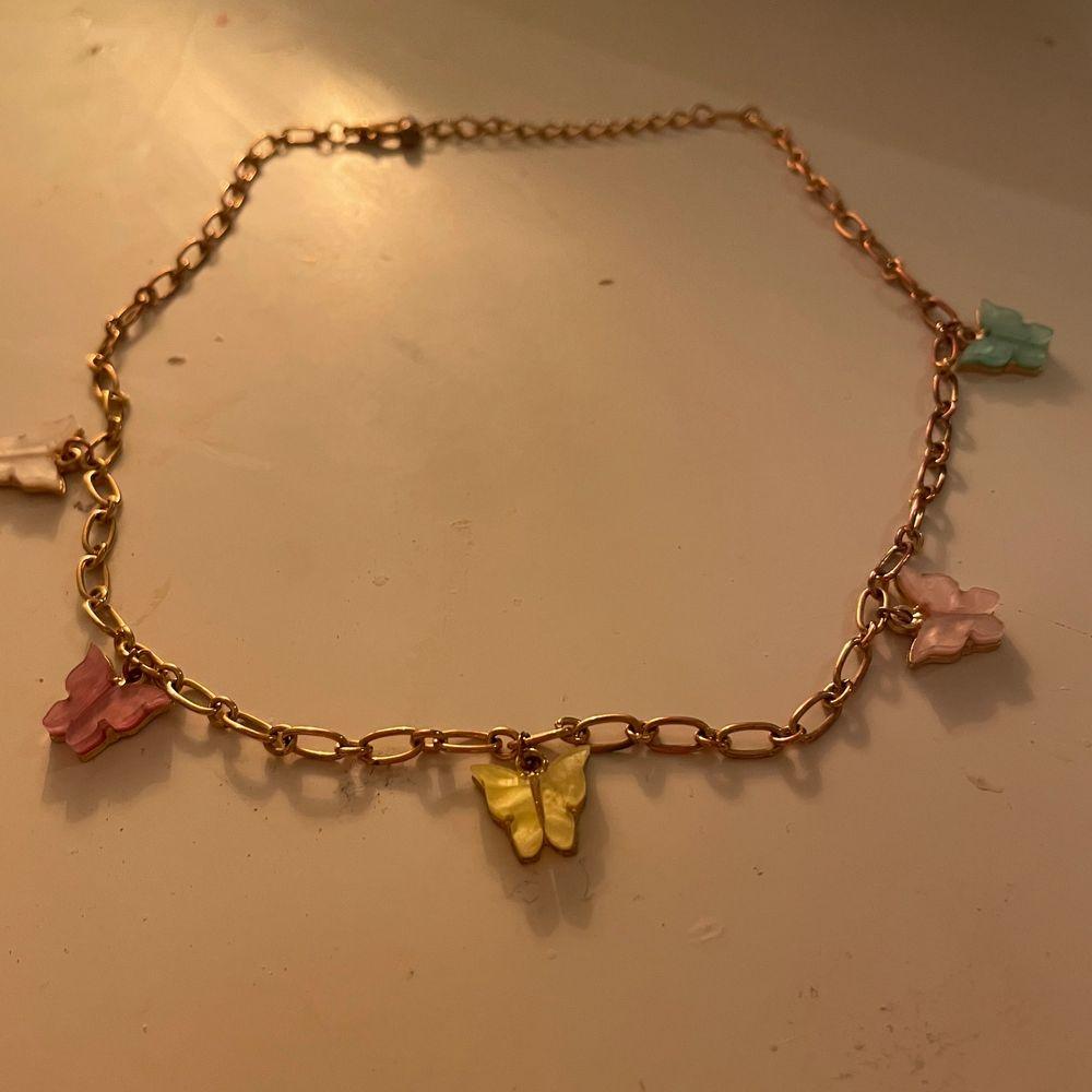 Jättegulligt halsband som inte kommit till så mycket användning tyvärr:/💕. Övrigt.