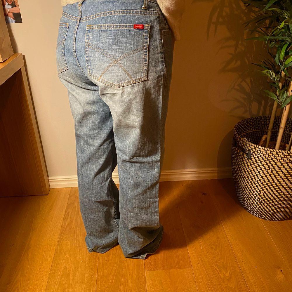 Supercoola jeans!! Köpare står för frakt💕. Jeans & Byxor.