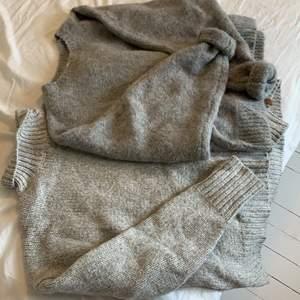 Två stickade tröjor (mörkgrå från h&m,S och ljusgrå från lager 157,XS) båda för 100 eller en för 50, köpare står för frakt🥰