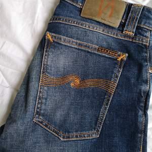 Blå nudie jeans modell: Skinny Lin.  Använda ett fåtal gånger.