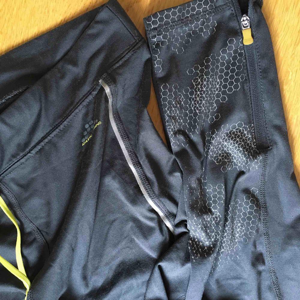 Gråa träningsleggings från H&M sports st. S.   . Jeans & Byxor.