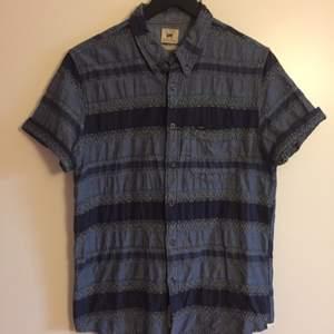 Skjorta från Lee i strl M. Fint skick! 120 kr inkl. Frakt 🌼