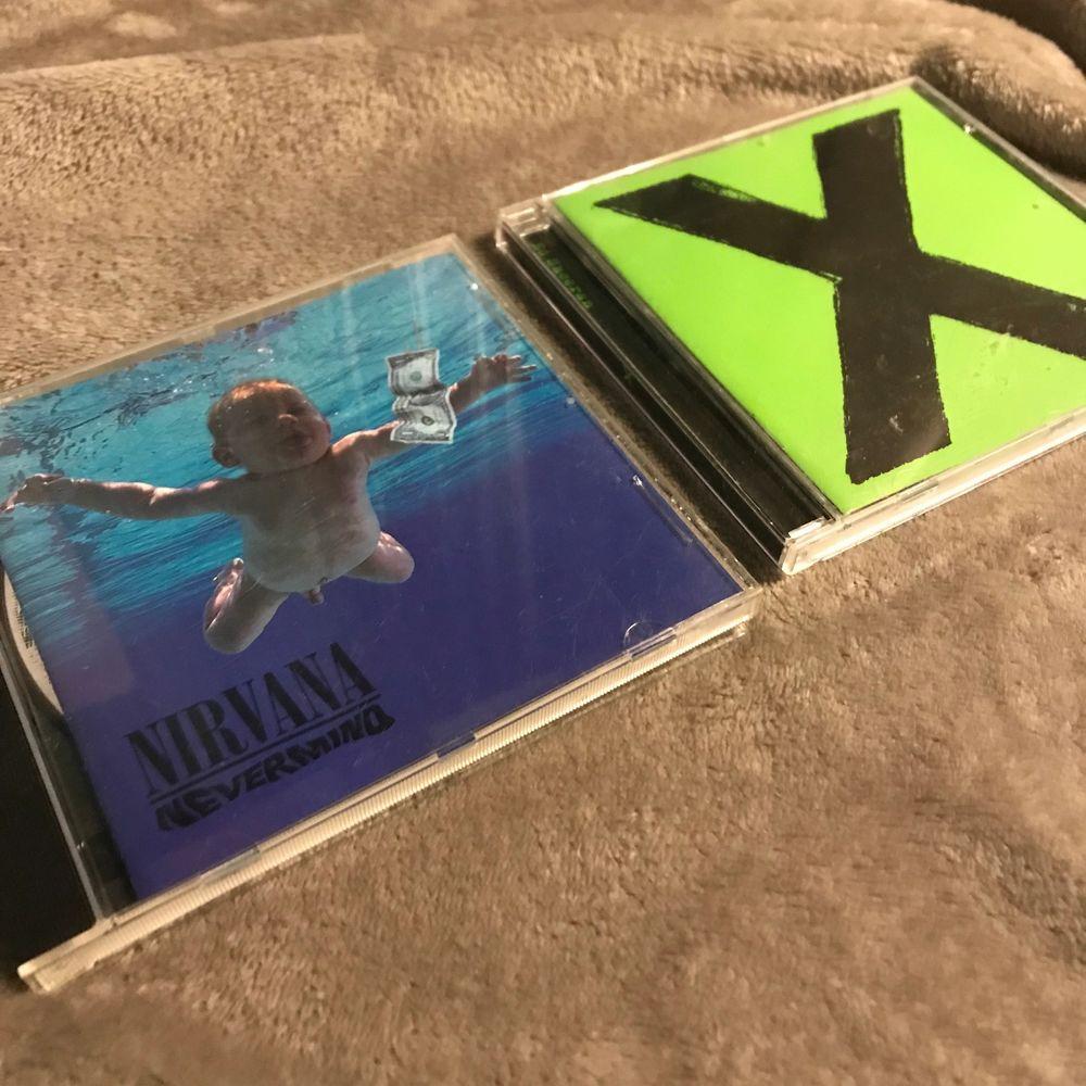 Säljer ed sheeran X albumet. Lite smutsiga men de är annars i bra skick. Har inte spelat så mycket alls så de är i bra skick. Du betalt frakt eller möts upp. 50kr frakt. (NIRVANA ÄR SÅLD). Övrigt.