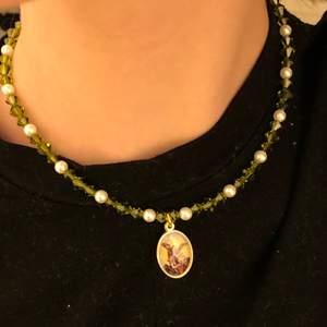 Justerbart halsband med äkta swarovski stenar💕pris: 65 + 12kr