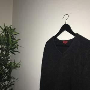 Fin och otroligt skön stickad tröja från Hugo boss