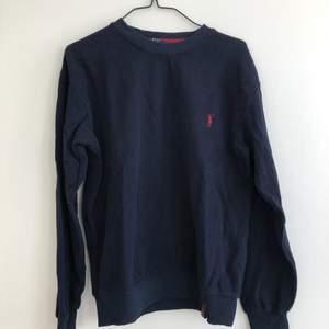 Äkta Ralph Lauren tröja. Skön och varm men kommet aldrig till användning