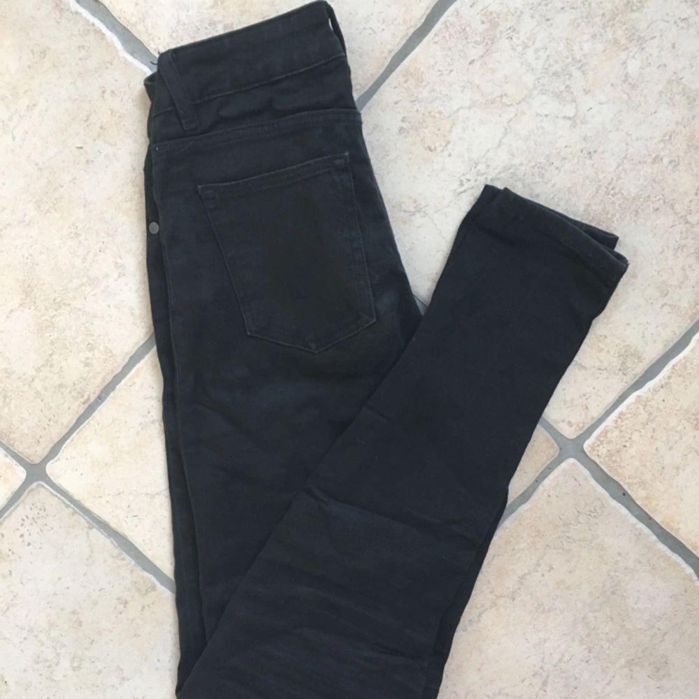 Denim jeans från Cubus, Mid Rise, väldigt stretchiga material🌟 frakt: 20kr. Jeans & Byxor.