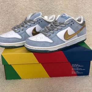 SB Dunk low x SEAN CLIVER - strl 42,5                                                                   Gå in på instagram @ia.plugs för mer information