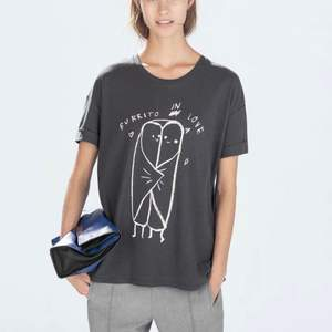 ZARA gray t-shirt with burrito in love print. Size S, but it can fit M as well. Pick up available in Kungsholmen.  Please check out my other items! :)