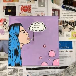 Tavla med Pop Art tema, lila bakgrund. Målningen är dragen över kanten på alla sidorna💜