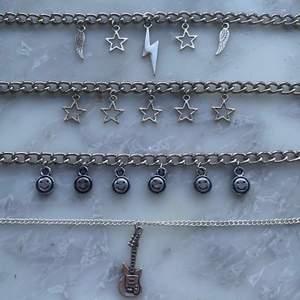De tjocka kedjehalsbanden kostar 99kr! Och de tunna kostar 69kr! Frakt är 11kr men ingår vid köp av två smycken eller mer!💓 Bild går att fixa med halsbanden på!