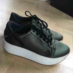 Vagabond sneakers med platå. Som nya, använda nån enstaka gång!✨
