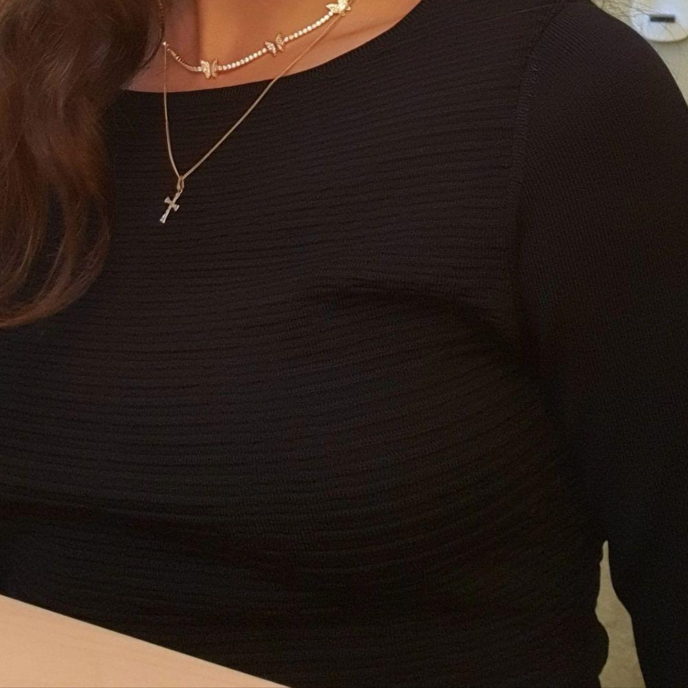 Super skön klänning i viskos, ribbad i överdel och slät i underdel, Stockholm LM, storlek s. Klänningar.