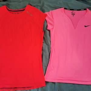 Säljer dessa två träningströjor i stl m. Nike är använda ett par gånger och är lite sliten på märket. Soc är använd 2-3 gånger och är i bra skick. Säljer både för 100kr och en för 60kr plus frakt.