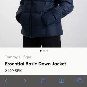 """En """"Essential Basic Down Jacket"""" i svart köpt på kidsbrandstore 2018 i jättefint skick!"""