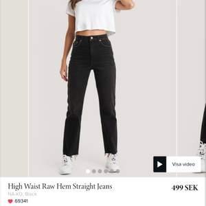 Jeans från nakd, endast testade och tyvärr lite för små för mig.💕😫 Kontakta mig för fler bilder💕 220kr plus frakt
