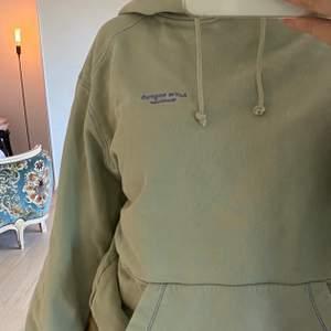 Acne Studios hoodie i mintgrön. Supersnygg och skön, nypris 2 800kr, säljer för 850kr