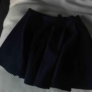 En söt kjol från Ralph Lauren. Använd ytterst få gånger