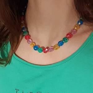 Halsband med snygga pärlor, lite indie stil. 30 kr!💖 kontakta för fler bilder