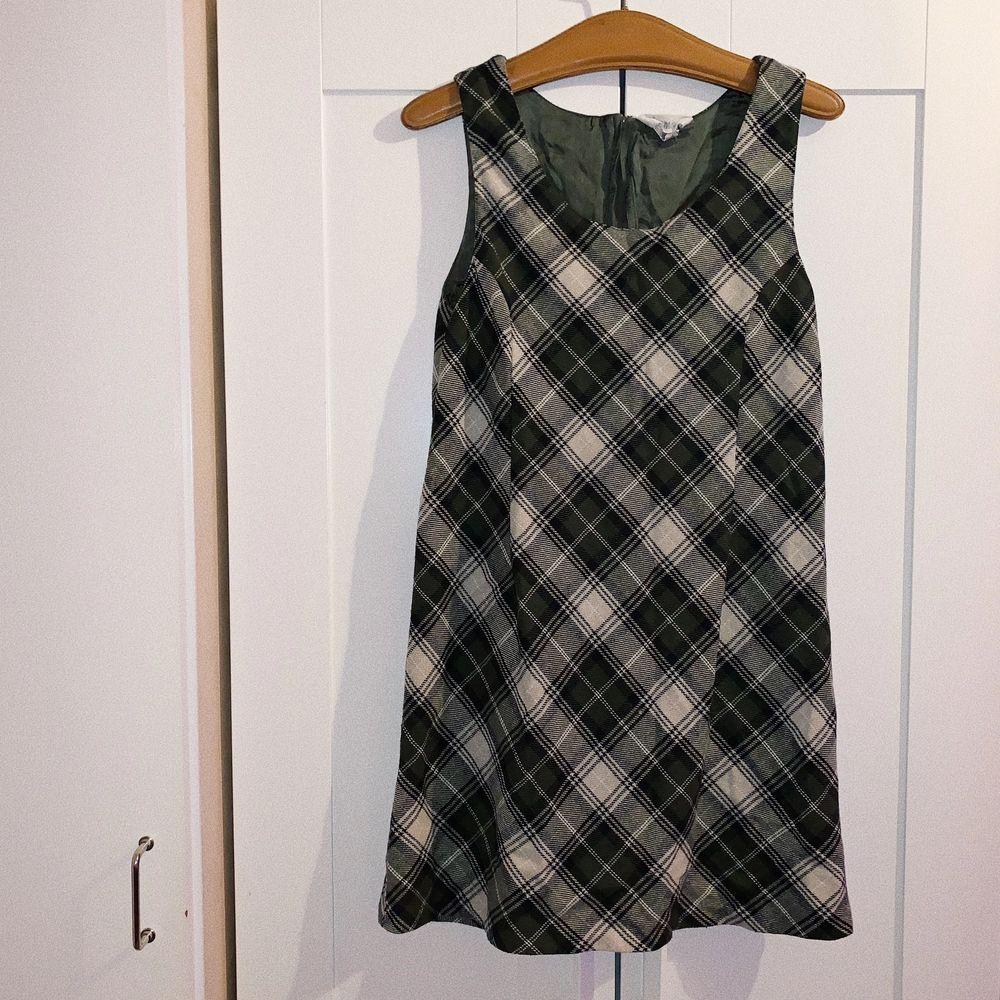 Super fin vintage pläd klänning, size M 🌟. Klänningar.
