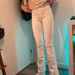 Denim bootcut jeans vita! Vanliga pris i butik 500kr