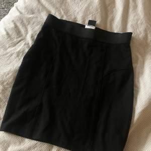Superfin kjol från gina, skönt material, använt en gång