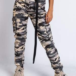 Militärbyxor från madlady💚💚väldigt tuffa och snygga byxor. Köpta för 499kr.