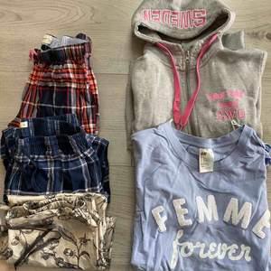 Allt kostar 40kr/st. Alla byxor är S. Blå lite längre tröja M Luvtröja XS. Byxorna längst ned är i siden, den blå tröjan är använd Max 3ggr😇  Skriv i chatten om ni vill ha fler bilder😘😍  de blå och röda byxorna är sålda!