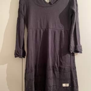 Odd Molly klänning stickad, storlek 2, sitter som medium. Använd 1 gång.