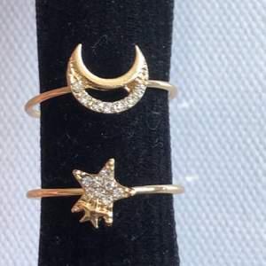 En ring med måne och en med stjärna. Älskar dessa men de är för stora på mig. 20kr styck!