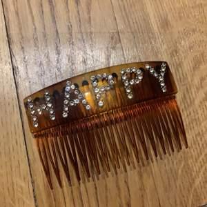 Oanvänt hårspänne från fina tricot