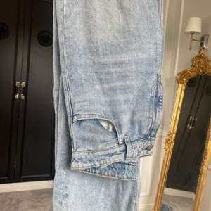 Yoko wide leg jeans från monki i jättebra skick! 💕