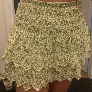 Superfin kjol från Zara i storlek M, passar S också 😍