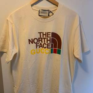 Gucci/The north face T-shirt, LARGE