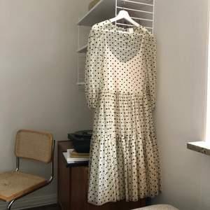 Jättesöt klänning från H&M. Använd en gång.