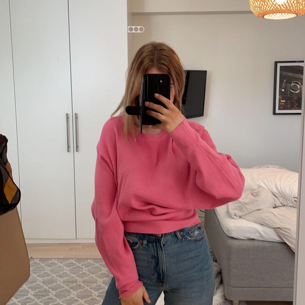 Rosa tröja från Gina, super snygg🌸 säljer ändrat pga inte min färg😖😖. Tröjor & Koftor.