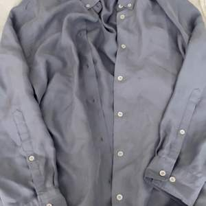 Sååå fin skjorta från Filippa K i ett satin aktigt material🌸 Skriv till mig för mer och bättre bilder, 180kr ink frakt✨