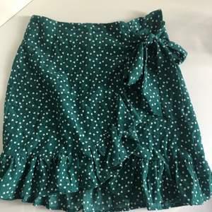 Jättefin kjol från shein, knappt använd. Köpare står för frakt💞