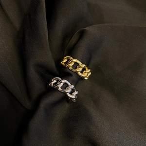 Skitsnygga justerbara ringar i 925 sterling silver! Mer finns på instagram @tinsel.uf ⚡️⚡️ 89kr/styck!