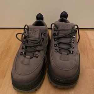 Eytys chunky skor som jag har använt två gånger! De är i nytt skick