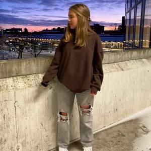 Intressekoll på dessa jeans!! Passar bra på någon som är lite kortare (jag är 160cm)✨✨
