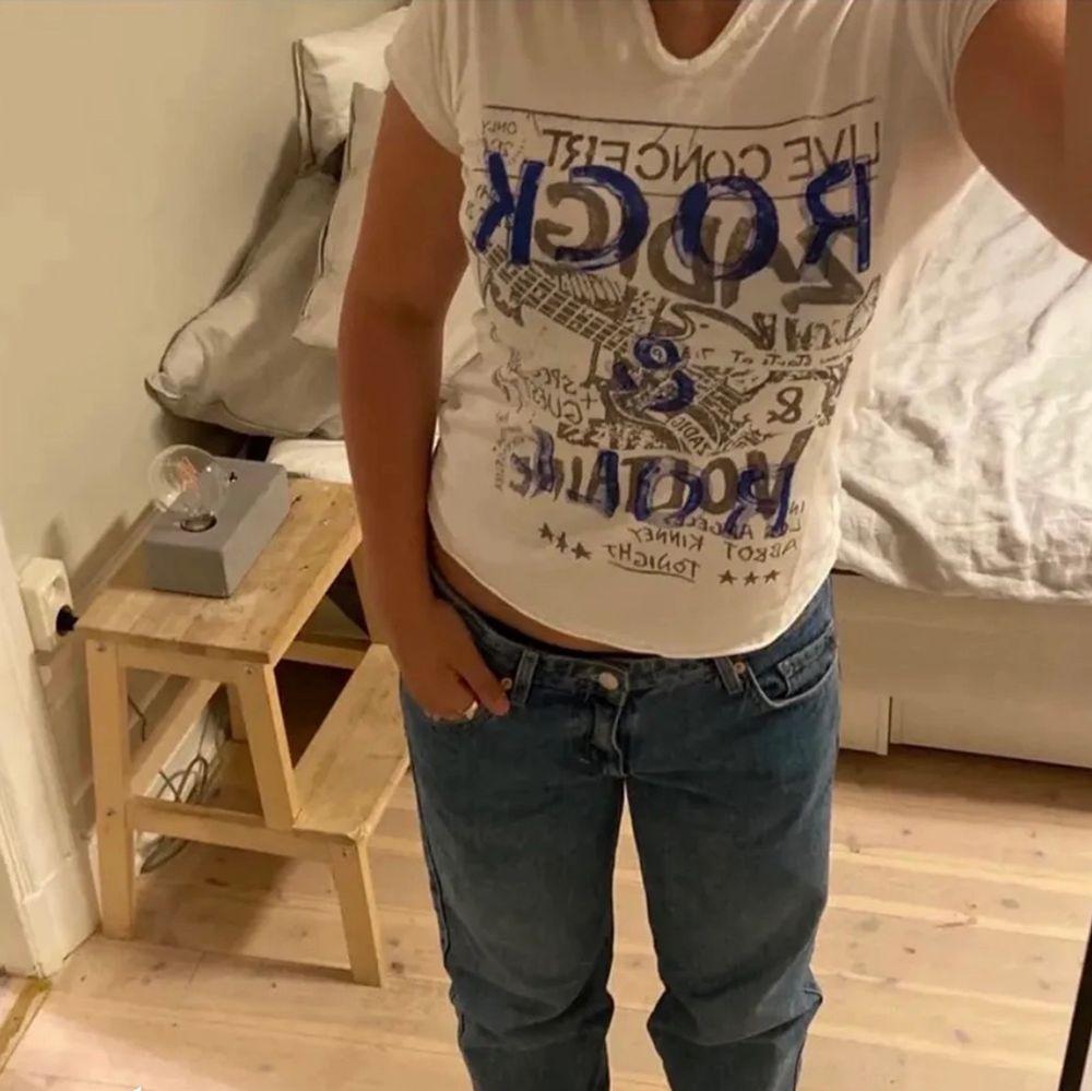 Säljer denna helt oanvända Zadig tshirt pga att den var liteeee för liten! BUDA I KOMMENTARERNA. Köp direkt 700kr. T-shirts.
