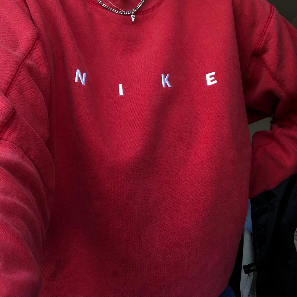 Supersnygg och skön tröja i bra skick. Huvtröjor & Träningströjor.