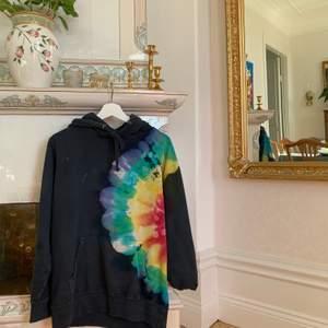 Säljer min skitsnygga Travis Scott hoodie i storlek M. Bud från: 650kr 🚀